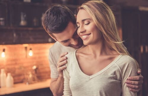 「愛おしい」と男性が感じる彼女の態度・行動9選