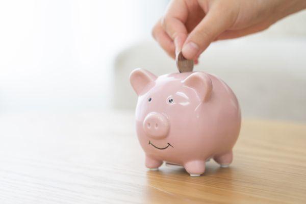 4.30歳一人暮らし女性、いくら貯金すればいい?平均貯金額は?