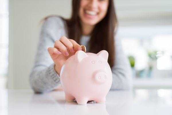 12.毎月の貯金額の目安はいくら?年代別にチェック