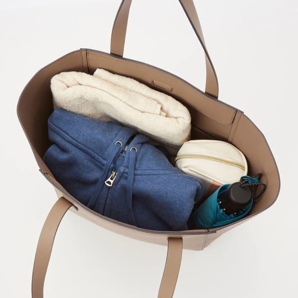 ユニクロに実はA4が入るバッグがあるの知ってた?プレスさんもイチオシ♡優秀トート1.jpg