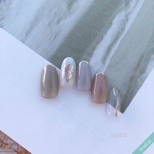 秋ネイルはグレーとグレージュ。たちまち美人な旬デザイン2021